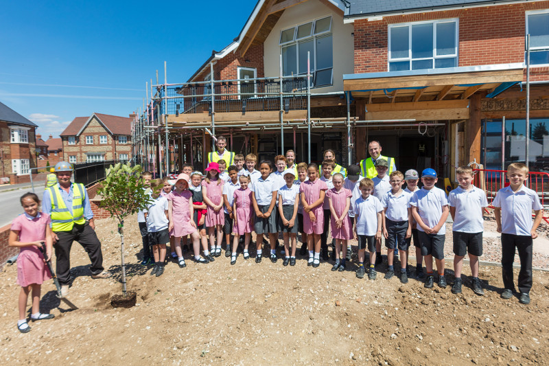 Conservative Council organises a Tree-planting ceremony to celebrate a community link