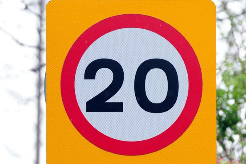 Conservative Council introduces 20 mph limit outside of schools