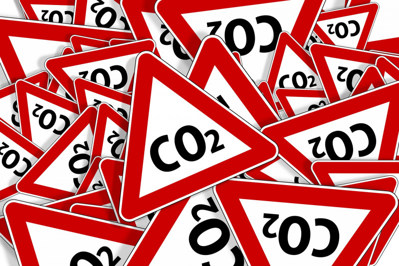 Council updates on progress to cut carbon emissions